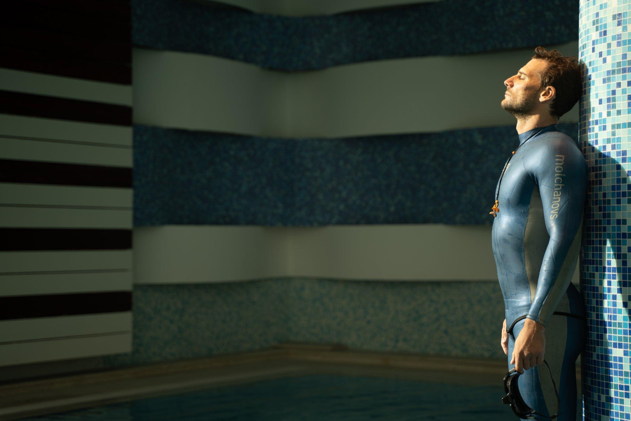 Blue Suit MOLCHANOVS 5