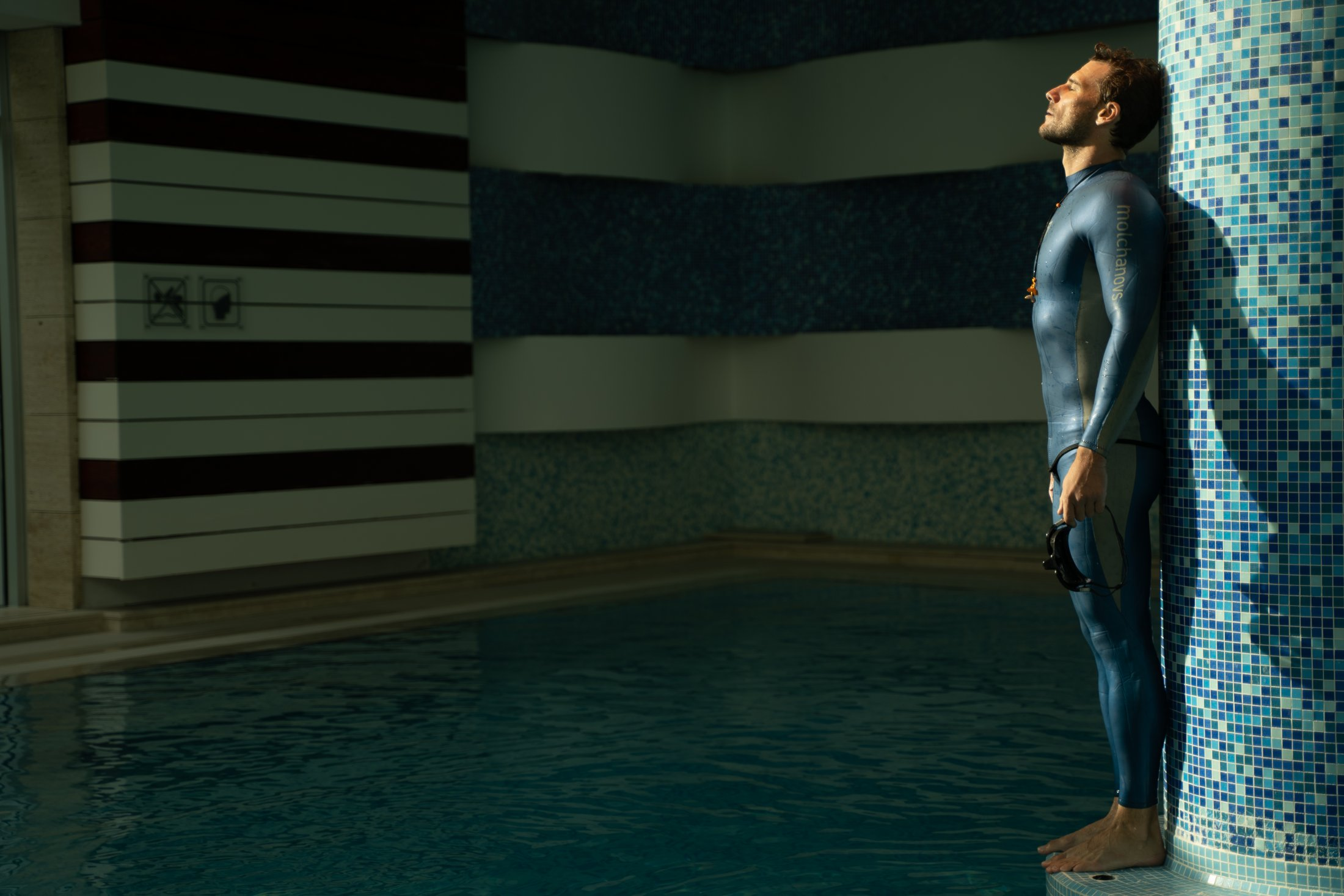 Blue Suit MOLCHANOVS 6